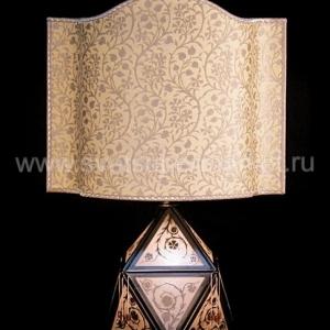 Настольный светильник 700